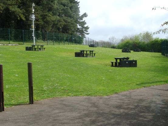 Stormont Estate - Picnic Tables